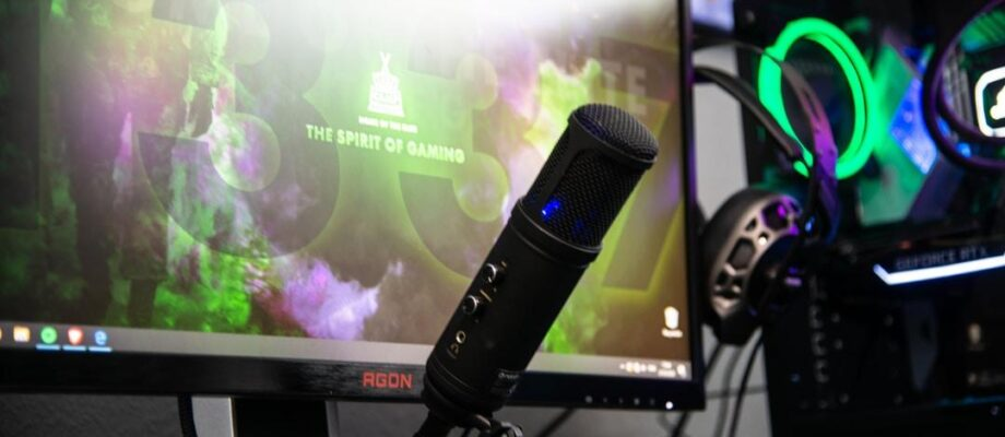 Do the Best Mics for Streaming Work for Podcasting Too?